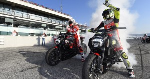 I piloti Ducati esaltano il pubblico del WDW2014