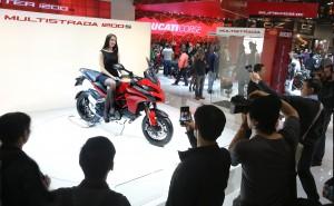EICMA2014_Ducati_stand_02