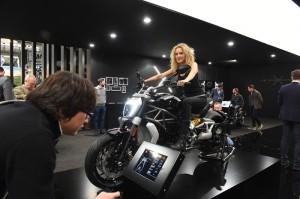 EICMA2015_Ducati_XDiavel_01